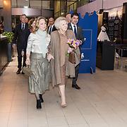 NLD/Amsterdam/20190126 - Prinses Beatrix bezoekt Jumping Amsterdam 2019, Prinses Margarita de Bourbon de Parme ontvangt haar tante Prinses Beatrix