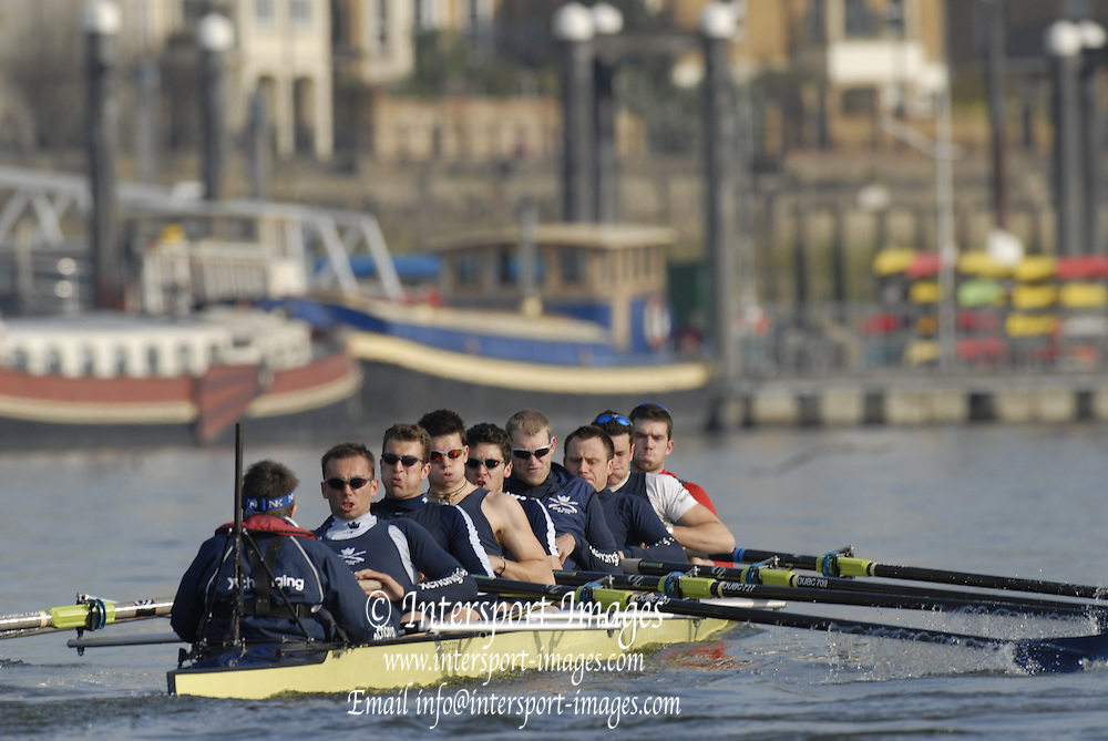 Putney, GREAT BRITAIN, Oxford UBC Thur morning  training session. Tideway Week as the crews prepare for the annual Boat race on Sat. April 7th. Thur 05 .04.2007, England [Photo Peter Spurrier/Intersport Images].   [Mandatory Credit, Peter Spurier/ Intersport Images]. , Rowing Course: River Thames, Championship course, Putney to Mortlake 4.25 Miles, , Varsity Boat Race.