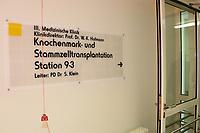 Mannheim. 28.07.17   Neue Stammzell-Transplantationseinheit<br /> &bdquo;Das Universitätsklinikum Mannheim ist ein überregional bedeutendes Zentrum für schwere Blutkrebs-Erkrankungen&ldquo;, betonte Oberbürgermeister Dr. Peter Kurz, der auch Aufsichtsratsvorsitzender<br /> des Klinikums ist. &bdquo;Mit der neuen Station und der angeschlossenen Ambulanz profitieren jetzt noch mehr Patienten aus Mannheim, der Metropolregion Rhein-Neckar und weit darüber hinaus von der speziellen Expertise und der lebensrettenden Behandlung.&ldquo;<br /> <br /> <br /> BILD- ID 0527  <br /> Bild: Markus Prosswitz 28JUL17 / masterpress (Bild ist honorarpflichtig - No Model Release!)