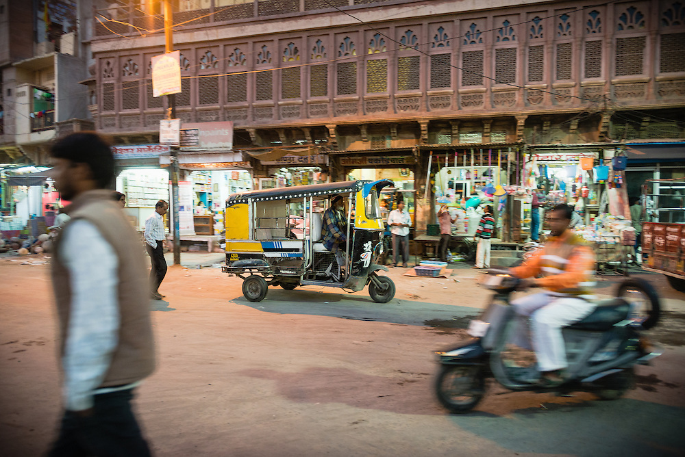 Auto rickshaw in Jodhpur at night