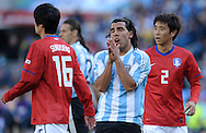 Argentina's midfielder Carlos Tevez (C) gestures during the World Cup South Africa 2010 soccer match against Korea Republic, at Soccer City stadium, in Johannesburgo, South Africa, on June 17, 2010.  (Alejandro Pagni/PHOTOXPHOTO)
