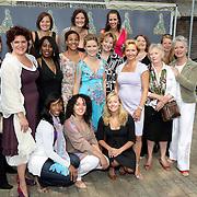 NLD/Amsterdam/20080515 - Nominatielunch John Kraaijkamp Musical Awards 2008, groepsfoto alle vrouwelijke genomineerden