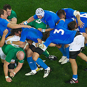 Italy drive forward during the Ireland V Italy Pool C match during the IRB Rugby World Cup tournament. Otago Stadium, Dunedin, New Zealand, 2nd October 2011. Photo Tim Clayton...