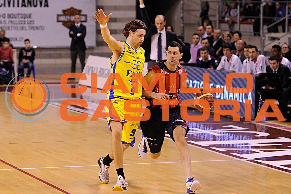 DESCRIZIONE : Ancona Lega A 2011-12 Fabi Shoes Montegranaro Angelico Biella<br /> GIOCATORE : Matteo Soragna<br /> CATEGORIA : palleggio penetrazione<br /> SQUADRA : Angelico Biella<br /> EVENTO : Campionato Lega A 2011-2012<br /> GARA : Fabi Shoes Montegranaro Angelico Biella<br /> DATA : 13/11/2011<br /> SPORT : Pallacanestro<br /> AUTORE : Agenzia Ciamillo-Castoria/C.De Massis<br /> Galleria : Lega Basket A 2011-2012<br /> Fotonotizia : Ancona Lega A 2011-12 Fabi Shoes Montegranaro Angelico Biella<br /> Predefinita :
