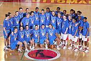 ROMA 11 APRILE 2007<br /> BASKET FEMMINILE<br /> ITALIA - USA<br /> NELLA FOTO LA NAZIONALE ITALIANA E LA NAZIONALE USA<br /> FOTO CIAMILLO-CASTORIA