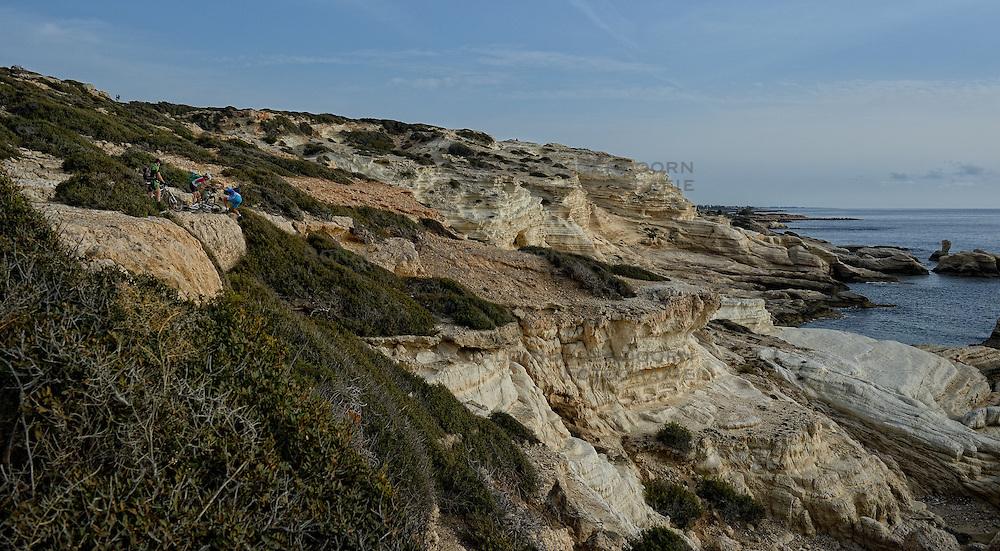 02-12-2014 CYP: We Bike 2 Change Diabetes Cyprus 2014, Pafos<br /> Vandaag de vierde etappe (86 km) van Polis naar Pafos / John die gevallen is wordt geholpen door Marion