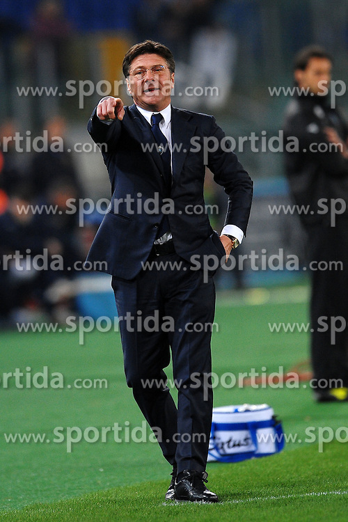 07.04.2012, Olympiastadion, Rom, ITA, Serie A, Lazio Rom vs SSC Neapel, 31. Spieltag, im Bild Walter Mazzarri allenatore del Napoli // during the football match of Italian 'Serie A' league, 31th round, between Lazio Rom and SSC Neapel at Olympic Stadium, Rome, Italy on 2012/04/07. EXPA Pictures © 2012, PhotoCredit: EXPA/ Insidefoto/ Andrea Staccioli..***** ATTENTION - for AUT, SLO, CRO, SRB, SUI and SWE only *****