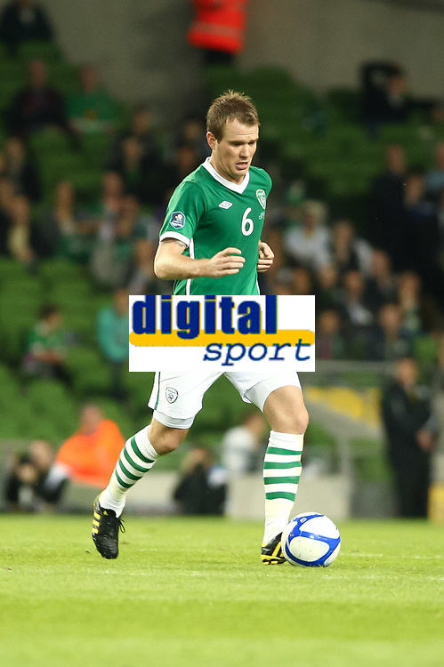 Football - UEFA Championship Qualifier - Republic of Ireland v Andorra<br /> Glenn Whelan (Rep of Ireland) in action in the UEFA Championship Group B Qualifier between the Republic of Ireland and Andorra at the Aviva Stadium in Dublin.