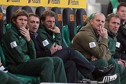 19.11.2011, BorussiaPark, Mönchengladbach, GER, 1.FBL, Borussia Mönchengladbach vs SV Werder Bremen, im BildKlaus Allofs (Geschaeftsfuehrer Profifussball Werder Bremen) und Thomas Schaaf (Trainer Werder Bremen) auf der Bank li Michael Kraft (Torwart-Trainer Werder Bremen) mi Wolfgang Rolff (Co-Trainer Werder Bremen) re Matthias Hönerbach/ Hoenerbach (Co-Trainer Werder Bremen) // during the 1.FBL, Borussia Mönchengladbach vs Werder Bremen on 2011/11/19, BorussiaPark, Mönchengladbach, Germany. EXPA Pictures © 2011, PhotoCredit: EXPA/ nph/ Mueller..***** ATTENTION - OUT OF GER, CRO *****