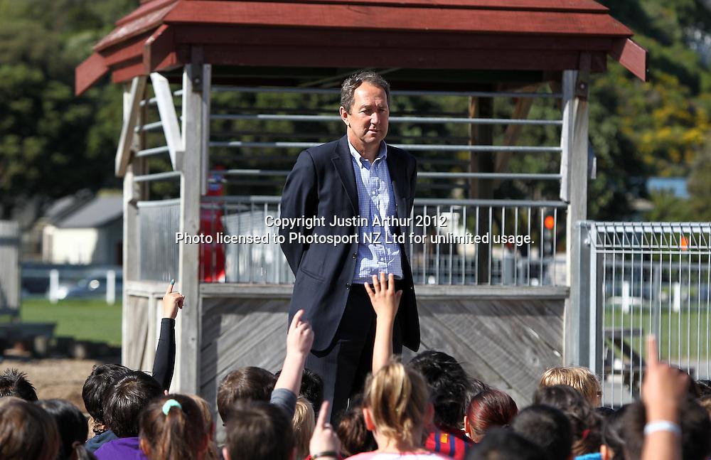 Sport NZ CEO Peter Miskimmin speaks to pupils at Miramar Central School, Wellington, New Zealand on Wednesday 5 September 2012. Photo: Justin Arthur / photosport.co.nz