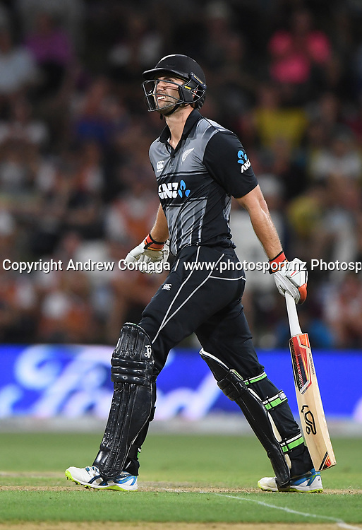 Tom Bruce hits out.<br /> Pakistan tour of New Zealand. T20 Series. 3rd Twenty20 international cricket match, Bay Oval, Mt Maunganui, New Zealand. Sunday 28 January 2018. &copy; Copyright Photo: Andrew Cornaga / www.Photosport.nz
