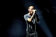 Amsterdam (Holland). 7-11-2014.  Sold out concert (The Hunting Party Tour) from American rockband Linkin Park held at the Ziggo Dome. On the photo singer Chester Bennington.<br /> De wereldtournee van Linkin Park is na de dood van voorman Chester Bennington afgelast. De Amerikaanse rockband zou eigenlijk vanaf donderdag door de Verenigde Staten reizen.<br /> &quot;We zijn geschokt door het overlijden van Chester Bennington&quot;, zegt concertorganisator Live Nation. &quot;De Noord-Amerikaanse One More Light Tour van Linkin Park is afgelast. Onze gedachten gaan uit naar alle betrokkenen.&quot;