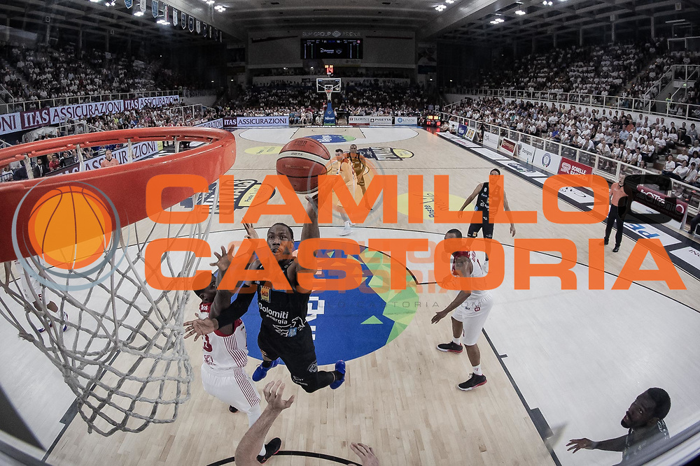 Sutton Dominique<br /> Dolomiti Energia Aquila Trento - EA7 Olimpia Milano<br /> Legabasket Serie A 2017/18<br /> Finali, Gara 04<br /> Trento, 11/05/2018<br /> Foto MarcoBrondi / Ciamillo-Castoria