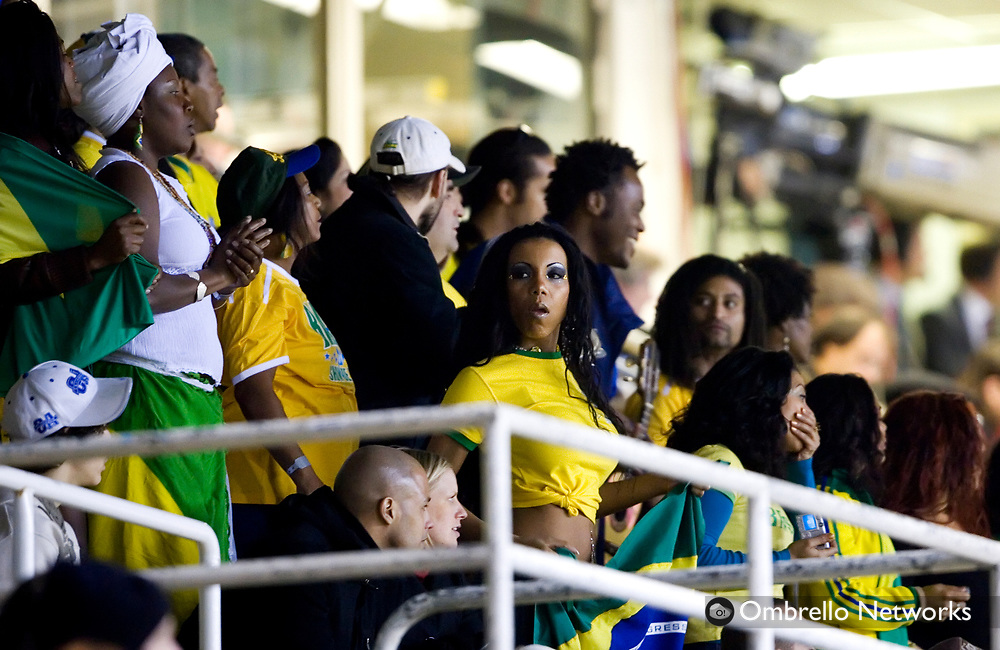 STOCKHOLM 070327<br /> TR&Auml;NINGSLANDSKAMP BRASILIEN GHANA.<br /> I bild: Samba p&aring; l&auml;ktaren.