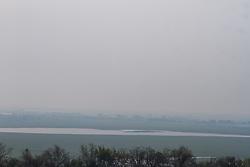 September 11, 2017 - Corumbá ms  .Com 2.364 focos de incêndios florestais, Corumbá é o quarto município do Brasil em incidência de queimadas este ano. A cidade sul-mato-grossense, que faz fronteira com a Bolívia, fica atrás apenas de São Félix do Xingu (PA); Altamira (PA) e Porto Velho (RO). O total representa mais da metade dos 4.402 focos registrados em Mato Grosso do Sul ao longo de 2017. Somente em setembro, Corumbá registrou 483 focos de queimadas. Nesta segunda-feira, 11 de setembro, uma densa camada de fumaça encobriu a cidade. Os dados são da Divisão de Satélites e Sistemas Ambientais do Centro de Previsão de Tempo e Estudos Climáticos (CPTEC), vinculada ao Instituto Nacional de Pesquisas Espaciais  (Credit Image: © ClóVis Neto/Fotoarena via ZUMA Press)