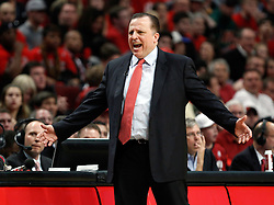 15.05.2011, UNITED CENTER, CHICAGO, USA, NBA, Chicago Bulls vs Miami Heat, im Bild Coach Tom Thibodeau against Miami Heat in game 1 of the NBA Eastern Conference Championships at the United Center in Chicago, EXPA Pictures © 2011, PhotoCredit: EXPA/ Newspix/ KAMIL KRZACZYNSKI +++++ ATTENTION - FOR AUSTRIA/ AUT, SLOVENIA/ SLO, SERBIA/ SRB an CROATIA/ CRO, SWISS/ SUI and SWEDEN/ SWE CLIENT ONLY +++++