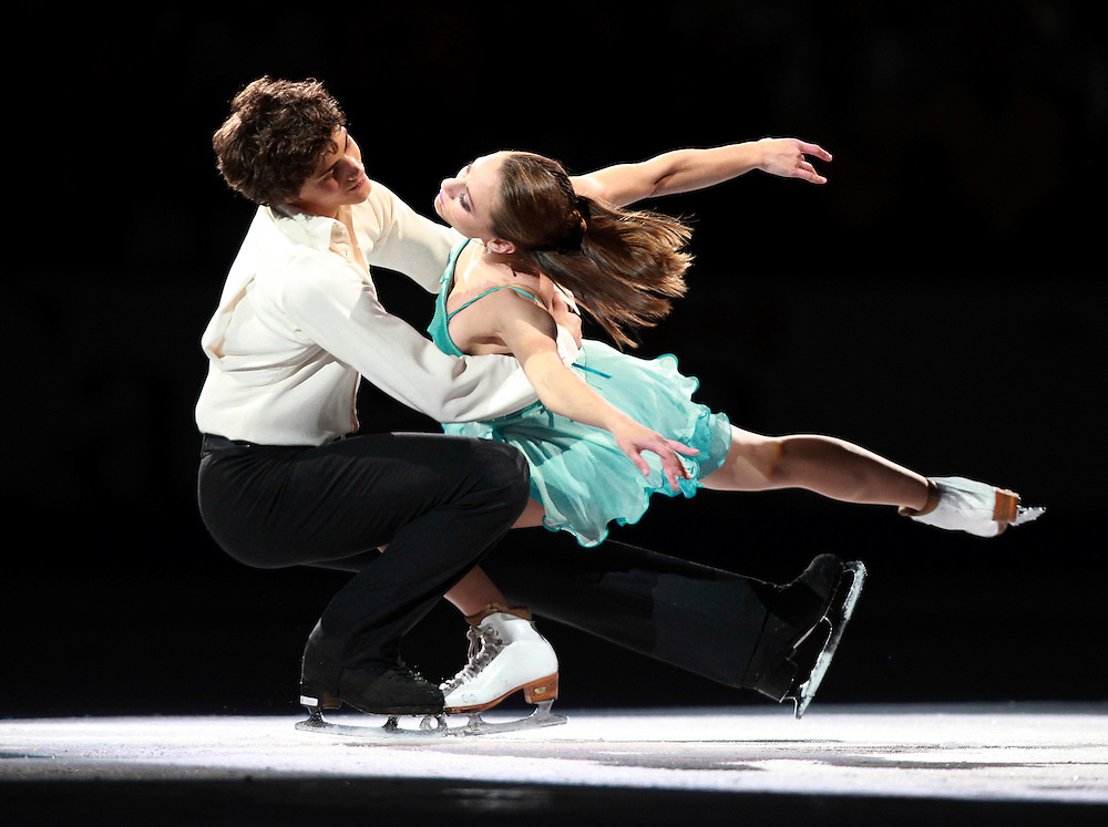 20101031 -- Kingston, Ontario -- Vanessa Crone and Paul Poirier of Canada skate in the exhibition gala at Skate Canada International in Kingston, Ontario, Canada, October 31, 2010. <br /> AFP PHOTO/Geoff Robins
