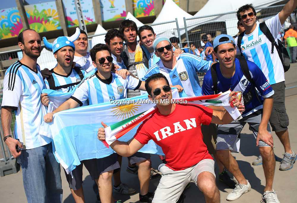 Fans of Argentina and Iran