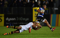 Gaby Lovobalavu of Wasps tackles Jonathan Joseph of Bath Rugby  - Mandatory by-line: Alex Davidson/JMP - 29/12/2017 - RUGBY - Recreation Ground - Bath, England - Bath Rugby v Wasps - Aviva Premiership