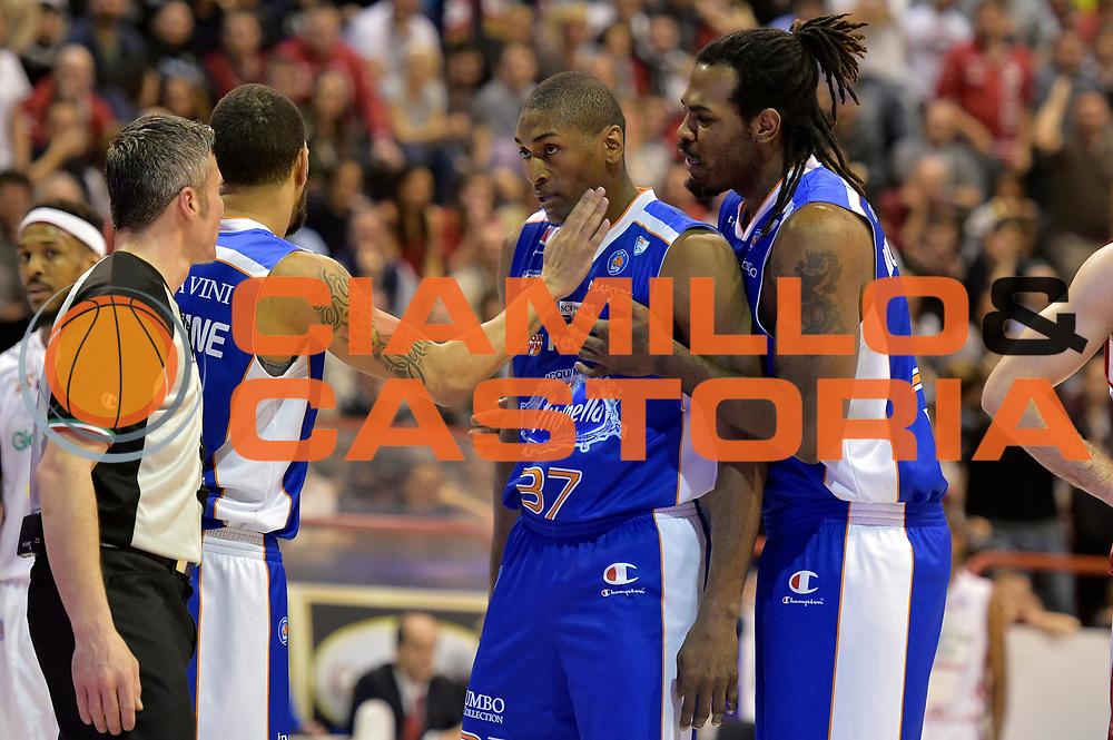 DESCRIZIONE : Campionato 2014/15 Giorgio Tesi Group Pistoia - Acqua Vitasnella Cant&ugrave;<br /> GIOCATORE : Ron Artest Metta World Peace<br /> CATEGORIA : delusione<br /> SQUADRA : Acqua Vitasnella Cantu&rsquo;<br /> EVENTO : LegaBasket Serie A Beko 2014/2015<br /> GARA : Giorgio Tesi Group Pistoia - Acqua Vitasnella Cant&ugrave;<br /> DATA : 30/03/2015<br /> SPORT : Pallacanestro <br /> AUTORE : Agenzia Ciamillo-Castoria/GiulioCiamillo<br /> Galleria : LegaBasket Serie A Beko 2014/2015<br /> Fotonotizia : Campionato 2014/15 Giorgio Tesi Group Pistoia - Acqua Vitasnella Cant&ugrave;<br /> Predefinita :