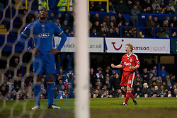 PORTSMOUTH, ENGLAND - Saturday, February 7, 2009: Liverpool's Dirk Kuyt celebrates scoring the second equalising goal against Portsmouth during the Premiership match at Fratton Park. (Mandatory credit: David Rawcliffe/Propaganda)
