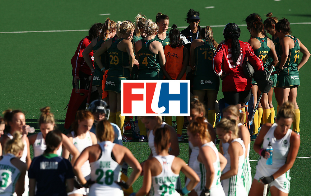 JOHANNESBURG, SOUTH AFRICA - JULY 20:  Players listen to instructions during the 5th/ 8th place play-off match between South Africa and Ireland at Wits University on July 20, 2017 in Johannesburg, South Africa.  (Photo by Jan Kruger/Getty Images for FIH)