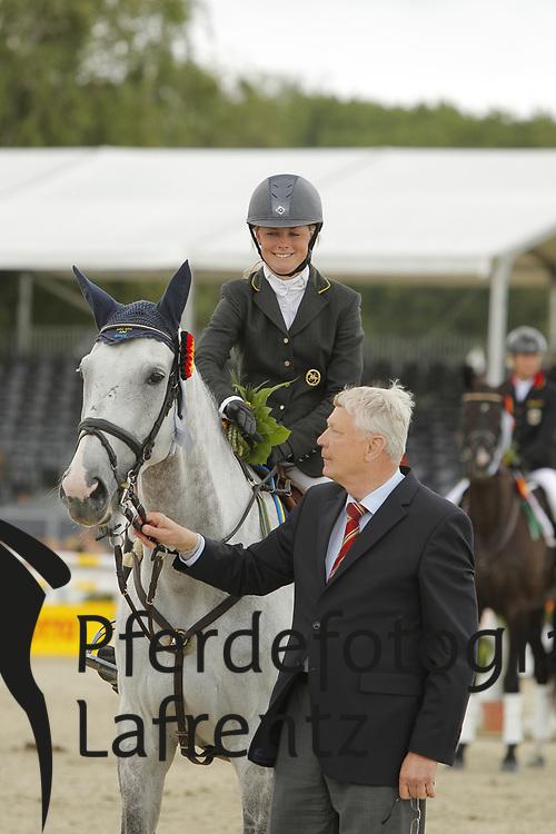 Algotsson-Ostholt, Sara;<br /> Wendt, Reinhard, Wega<br /> Meisterehrung<br /> © www.sportfotos-lafrentz.de/Stefan Lafrentz