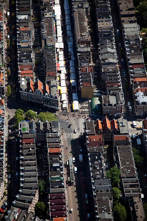 Nederland, Amsterdam, De Pijp, 12-05-2009; Albert Cuypstraat met in het tweede deel marktkramen, links de Gerard Doustraat. De Albert Cuypmarkt in stadsdeel Oud-Zuid is een dagmarkt, in de volksmond de 'Cuyp' of Albert Cuyp. .Swart collectie, luchtfoto (toeslag); Swart Collection, aerial photo (additional fee required).foto Siebe Swart / photo Siebe Swart