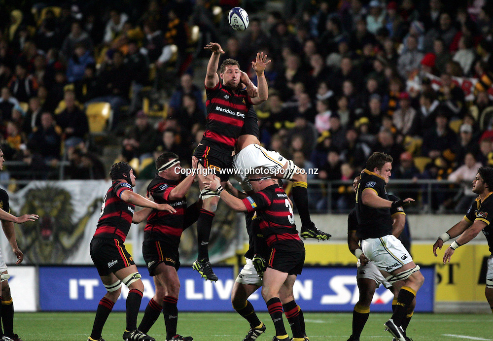 Canterbury's Chris Jack in action during the NPC Div 1 Final, Saturday 24 October 2004,Westpac Stadium, Wellington, New Zealand. Canterbury defeated Wellington 40-27.<br />