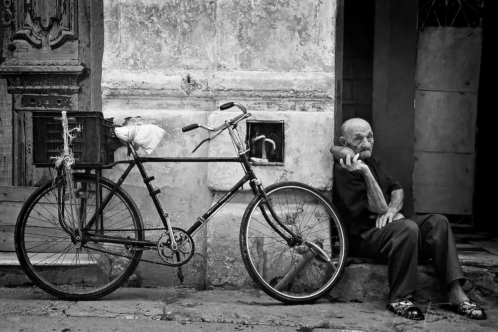 An old man in the streets of Havana.