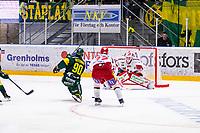 2020-03-10   Umeå, Sverige: Björklöven (90) Alex Hutchings lossar bössan under matchen i HA Finalserien mellan Björklöven och MoDo i A3 Arena ( Foto av: Michael Lundström   Swe Press Photo )<br /> <br /> Nyckelord: Umeå, Hockey, HA Finalserien, A3 Arena, Björklöven, MoDo, mlbm200310