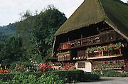 Deutschland, Germany,Baden-Wuerttemberg.Schwarzwald.Gutach, Schwarzwälder Freilichtmuseum Vogtsbauernhof: Vogtsbauernhof (altes Bauernhaus).Gutach, open air museum: old Black Forest farm house...