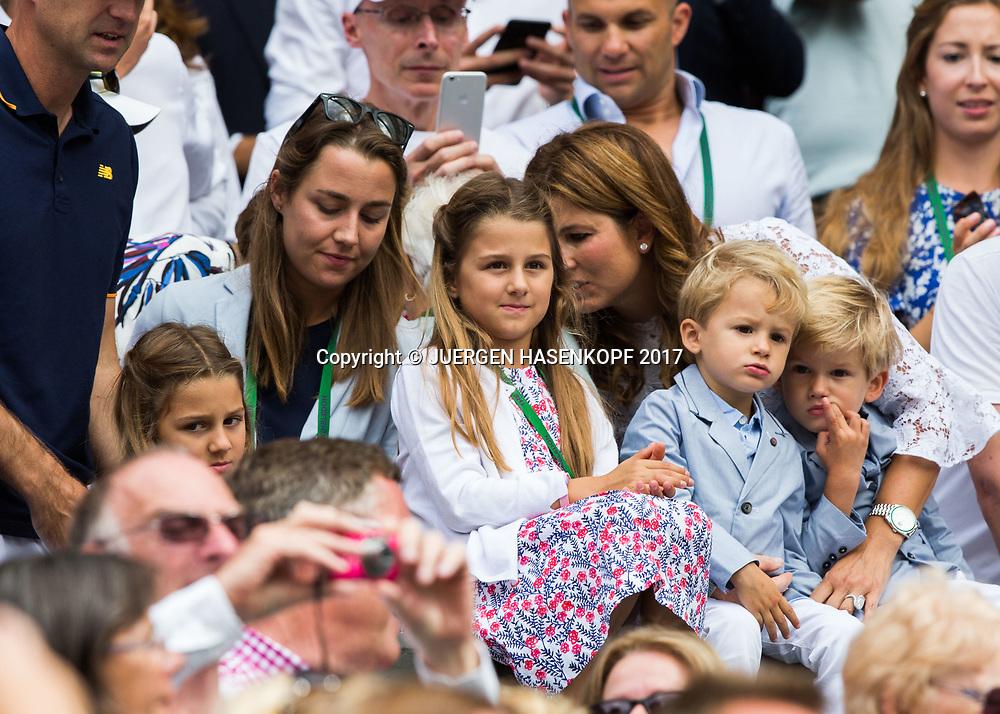 ROGER FEDERER Ehefrau Mirka mit den Kinder in der Spielerloge,Siegerehrung,Praesentation, Endspiel, Final<br /> <br /> Tennis - Wimbledon 2016 - Grand Slam ITF / ATP / WTA -  AELTC - London -  - Great Britain  - 16 July 2017.