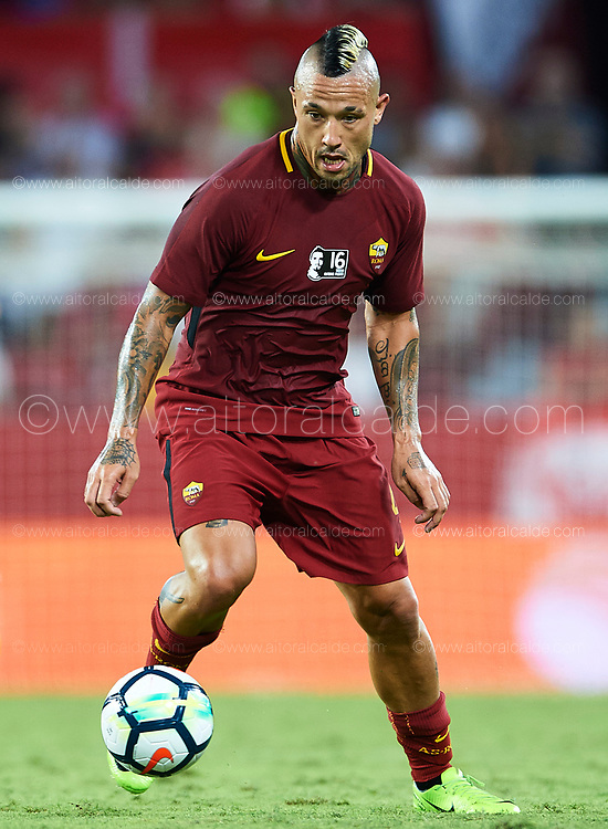 SEVILLE, SPAIN - AUGUST 10:  Radja Nainggolan of AS Roma in action during a Pre Season Friendly match between Sevilla FC and AS Roma at Estadio Ramon Sanchez Pizjuan on August 10, 2017 in Seville, Spain.  (Photo by Aitor Alcalde/Getty Images)