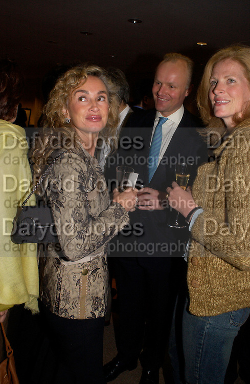 Fundraising evening in aid of Education at the Hackney Empire. Hosted by Fleming Family and partners at The Fleming collection. Berkeley St.  24 June 2004. SUPPLIED FOR ONE-TIME USE ONLY-DO NOT ARCHIVE. © Copyright Photograph by Dafydd Jones 66 Stockwell Park Rd. London SW9 0DA Tel 020 7733 0108 www.dafjones.com