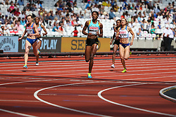 London, 2017 August 06. Shaunae Miller-Uibo, Bahamas, leads Emily Diamond, Great Britain and Bianca Razor, Romania in heat two of the Women's 400m on day three of the IAAF London 2017 world Championships at the London Stadium. © Paul Davey.