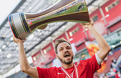 26.05.2019, Red Bull Arena, Salzburg, AUT, 1. FBL, FC Red Bull Salzburg Meisterfeier, im Bild Andreas Ulmer (FC Red Bull Salzburg) mit dem ÖFB Cup Pokal // during the Austrian Football Bundesliga Championsship Celebration at the Red Bull Arena in Salzburg, Austria on 2019/05/26. EXPA Pictures © 2019, PhotoCredit: EXPA/ JFK