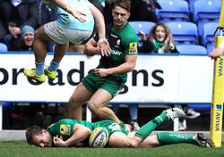 London Irish's Andrew Fenby scores a try - Photo mandatory by-line: Robbie Stephenson/JMP - Mobile: 07966 386802 - 28/03/2015 - SPORT - Rugby - Reading - Madejski Stadium - London Irish v Newcastle Falcons - Aviva Premiership