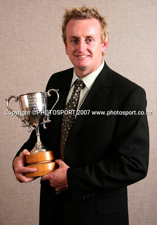 Black Cap Scott Styris poses for a photo with his Walter Hadlee (ODI Batting) Trophy during the NZ Cricket Awards at Langham Hotel, Auckland, New Zealand on Wednesday 16 May 2007. Photo: Hagen Hopkins/PHOTOSPORT<br />