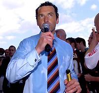 Photo: Ian Hebden.<br />Northampton Town v Chester City. Coca Cola League 2. 29/04/2006.<br />Northampton Manager Colin Calderwood addresses the crowd.