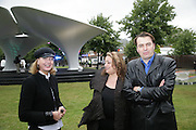 Julia Peyton-Jones,  Zaha Hadid and Patrick Schumacher, Serpentine Gallery. Lilas an installation by Zaha Hadid architects. 11 July 2007.  -DO NOT ARCHIVE-© Copyright Photograph by Dafydd Jones. 248 Clapham Rd. London SW9 0PZ. Tel 0207 820 0771. www.dafjones.com.