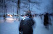 Ehemaliger Häftling des Konzentrationslagers Auschwitz auf dem Heimweg nach den Gedenkfeiern zur 60. Jährigen Befreiung des Konzentrationslagers durch die Rote Armee am 27. Januar 1945. ..Auschwitz Birkenau am 27.01.2005