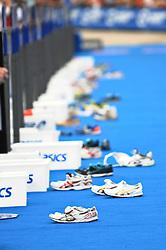 17.07.2010, Hamburg, GER, Triathlon, Dextro Energy Triathlon ITU World Championship, Elite Maenner,  im Bild Feature Schuhe in der Wechselzone.EXPA Pictures © 2010, PhotoCredit: EXPA/ nph/  Witke+++++ ATTENTION - OUT OF GER +++++ / SPORTIDA PHOTO AGENCY