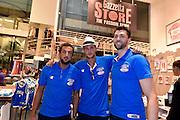 DESCRIZIONE : Nazionale Maschile Visita al Gazzetta Store <br /> GIOCATORE : Marco Belinelli Danilo Gallinari Andrea Bargnani<br /> CATEGORIA : nazionale maschile senior <br /> SQUADRA : Nazionale Maschile <br /> EVENTO : Visita Gazzetta Store <br /> GARA : Media Day Nazionale Maschile <br /> DATA : 20/07/2015 <br /> SPORT : Pallacanestro <br /> AUTORE : Agenzia Ciamillo-Castoria