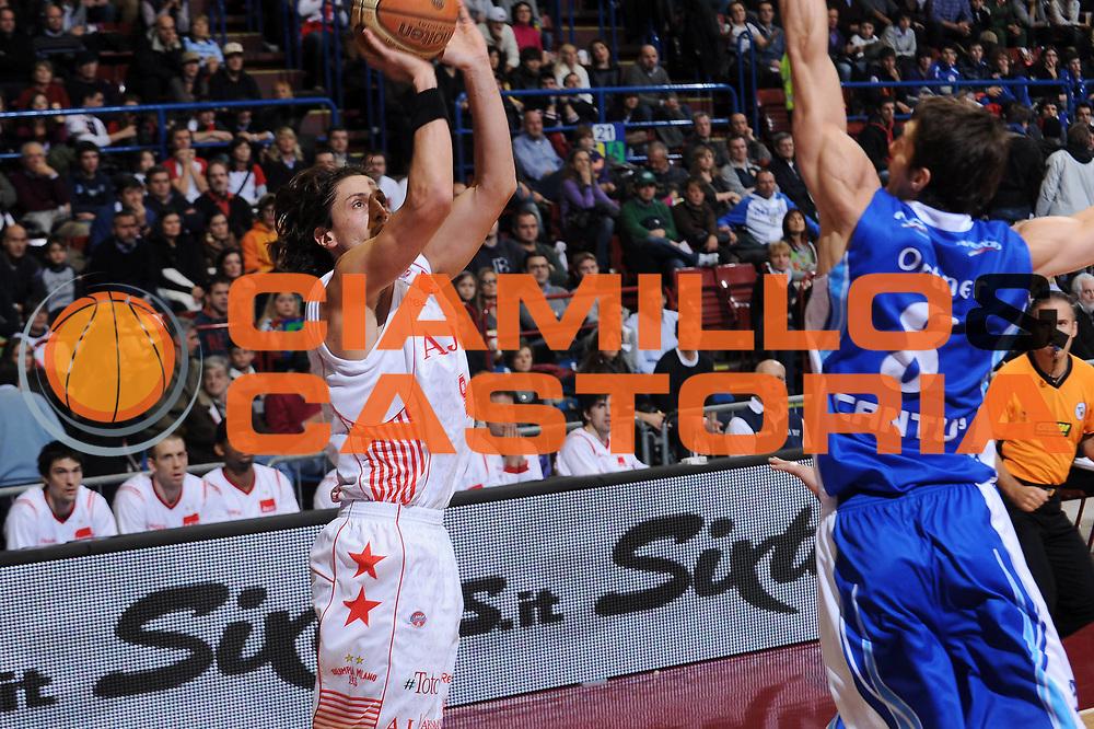 DESCRIZIONE : Milano Lega A 2009-10 Armani Jeans Milano NGC Cantu<br /> GIOCATORE : Marco Mordente<br /> SQUADRA : Armani Jeans Milano<br /> EVENTO : Campionato Lega A 2009-2010<br /> GARA : Armani Jeans Milano NGC Cantu<br /> DATA : 15/11/2009<br /> CATEGORIA : tiro<br /> SPORT : Pallacanestro<br /> AUTORE : Agenzia Ciamillo-Castoria/A.Dealberto<br /> Galleria : Lega Basket A 2009-2010<br /> Fotonotizia : Milano Campionato Italiano Lega A 2009-2010 Armani Jeans Milano NGC Cantu<br /> Predefinita :