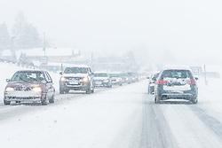 THEMENBILD - In der Steiermark kam es auf einigen Hauptstrecken zu Staus – so auf der Ennstal Bundesstraße (B320). Der dichte Urlauberreiseverkehr führte hier zu Kolonnen und Stau. Hier im Bild Schnee und Sturm in Gröbming, Aufgenommen am Samstag 5. Jänner 2018 in Ennstal, Steiermark // In Steiermark there were traffic jams on some main routes - such as on Ennstal Bundesstraße (B320). The dense tourist traffic led here to columns and traffic jams. Snow and storm in Gröbming, pictured on Saturday 5. January 2018 in Ennstal, Steiermark. EXPA Pictures © 2019, PhotoCredit: EXPA/ Martin Huber
