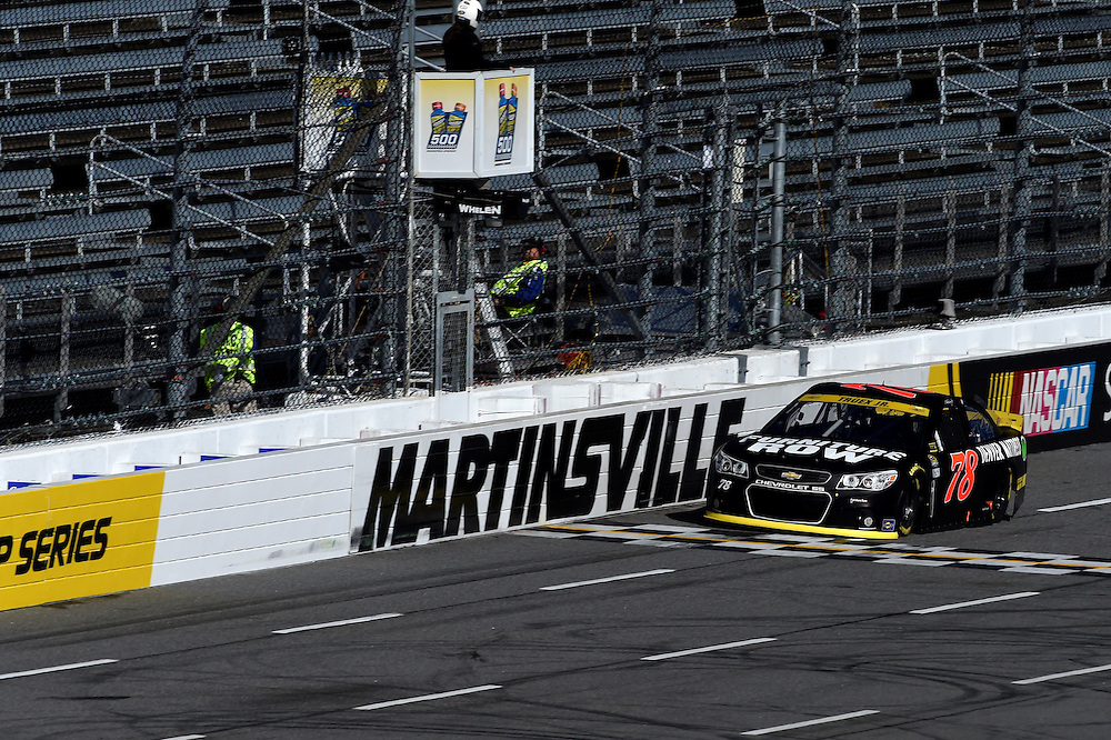 30 October - 1 November, 2015, Martinsville, Virginia USA<br /> Martin Truex Jr<br /> &copy;2015 Scott R LePage <br /> LAT Photo USA