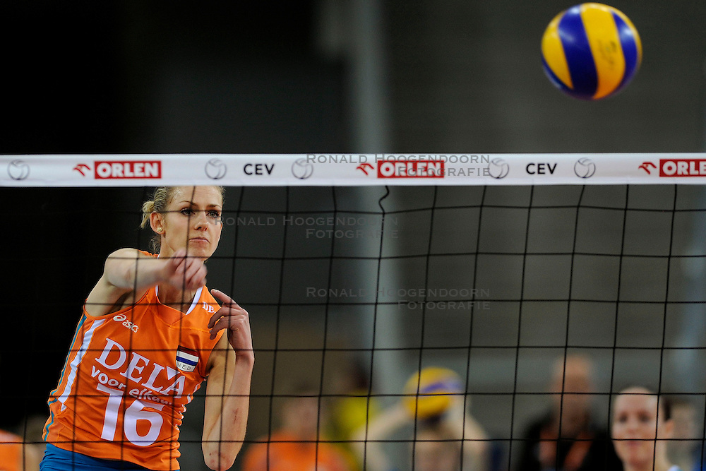 30-09-2009 VOLLEYBAL: EUROPEES KAMPIOENSCHAP NEDERLAND - BELGIE: LODZ<br /> Nederland is groepswinnaar en wint opnieuw. Belgie wordt met 3-0 verslagen / Debby Stam<br /> &copy;2009-WWW.FOTOHOOGENDOORN.NL