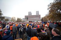 Bilder fra den oransje timen p&aring; r&aring;dhusplassen i Oslo.<br /> <br /> Foto: Svein Ove Ekornesv&aring;g