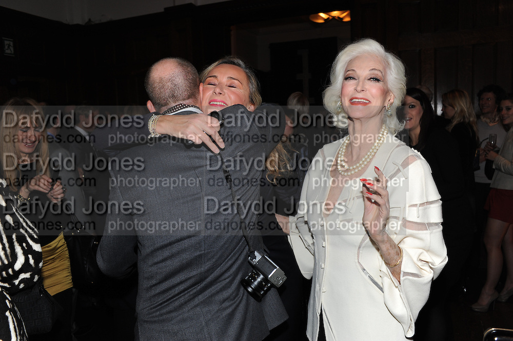 STEFAN BARTLETT; SAMANTHA BLRNK; CARMEN DELL'OREFICE;  , London College of Fashion hosts party to celebrate the opening of Carmen: A Life in Fashion with guest of honour Carmen Dell'Orefice. Il Bottachio, Hyde Park Corner. London. 16 November 2011. <br /> <br />  , -DO NOT ARCHIVE-© Copyright Photograph by Dafydd Jones. 248 Clapham Rd. London SW9 0PZ. Tel 0207 820 0771. www.dafjones.com.